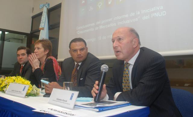 El PNUD presenta exitosas estrategias empresariales para combatir la pobreza